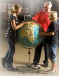 Рельефный глобус на подставке с колесиками купить