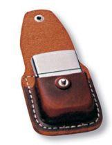 Чехол Zippo для зажигалки, кожа, с металлическим фиксатором на ремень, коричневый, 57х30x75 мм купить