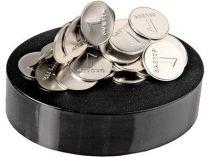 Композиция «Стабильная валюта». Подставка с магнитом позволяет конструировать причудливые комбинации из «рублевых монет» купить