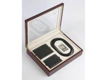 Набор кожаных аксессуаров Pierre Cardin (Пьер Карден): портмоне, ремень и футляр для кредитных карт в деревянной коробке купить